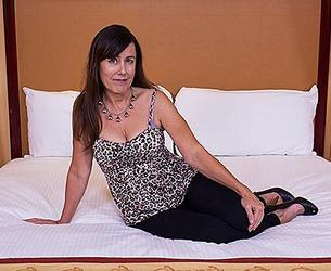 [MomPov.com] Sheila (54 year old Mature is an absolute amateur / E278 / 06-01-2015) [2015 g., Older / MILF, Facial, BJ, Gonzo, POV, Hardcore, All Sex, SiteRip, 480p]