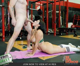 [TheRealWorkout.com / TeamSkeet.com] Valentina Jewels - Getting Low On Leg Day (16.09.2018) [All Sex, Blowjobs, 1080p]