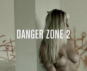 [photodromm.com] 2020-03-05 Fabiana - Danger Zone 2 [Erotic, Posing, Blonde][1080p]