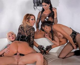 [WickedPictures.com] Aubrey Kate, Domino, Venus & Jessica Drake (11.09.2017) [2017 g., Shemale Hardcore, Blowjob (Threeway), Ass Licking, Blowjob (Double), Anal Toys, 720p]
