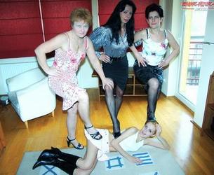 [Bizarre-Mature-Sex.com / Mature.nl] Rozalia (48), Diva (47), Romana (54), Bernadette (21) [720p/2013 g.,Old-Young,Milf,Brunette,Blondes,Natural Tits,Shaved Pussy,Lesbians,Oral,Kissing,Anilingus,Dildo,Hairy,Pissing]